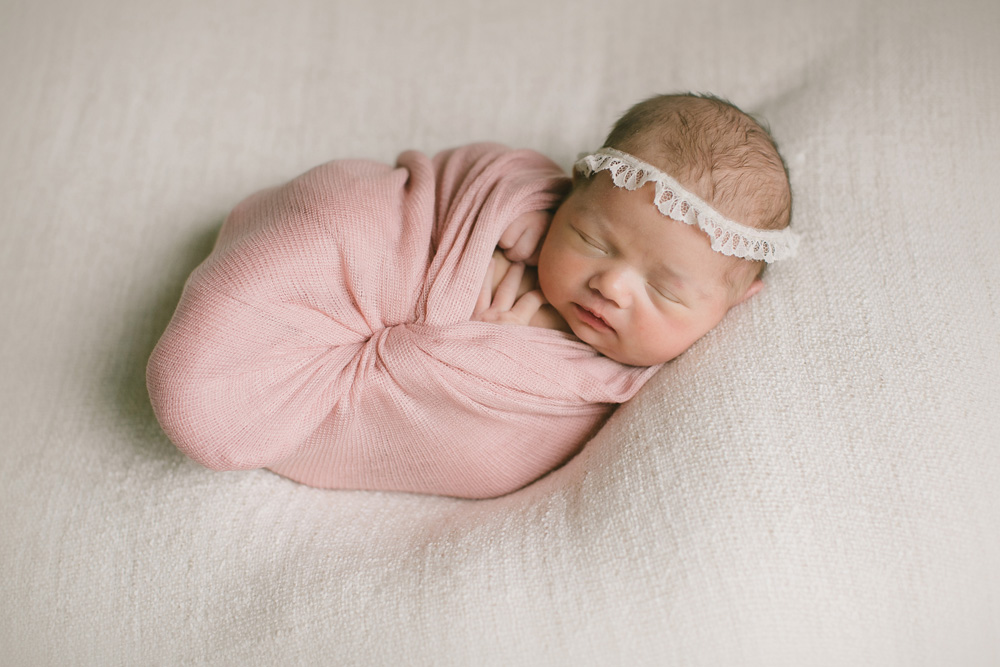 twin-cities-newborn-pictures-21